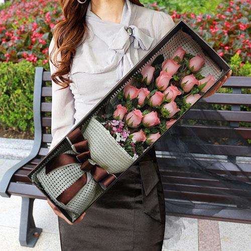 19朵粉色玫瑰礼盒